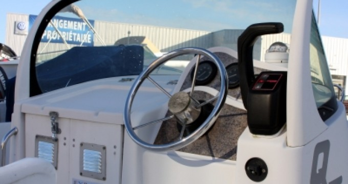 Alquiler de Quicksilver Quicksilver 550 Commander en Vannes