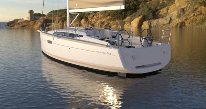 Alquiler de barcos Port du Crouesty barato de Sun Odyssey 349