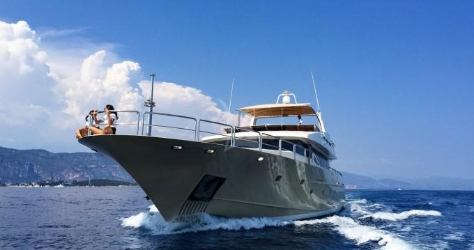 "Alquiler de yate Saint-Tropez - Aegean Builder 31.00 metres (101' 8"") en SamBoat"