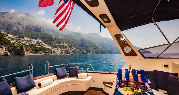Alquiler Lancha Sea Living Positano con título de navegación