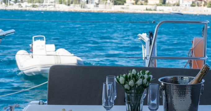 Alquiler de yate Cannes - Lagoon Lagoon 40 Motor Yacht en SamBoat
