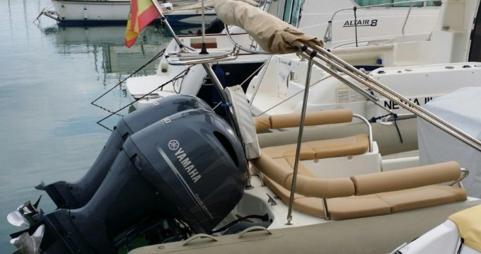 Alquiler de barcos Castelldefels barato de Medline 850