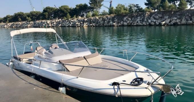 Alquiler de yate L'Estaque - Jeanneau Cap Camarat 7.5 WA Serie 2 en SamBoat