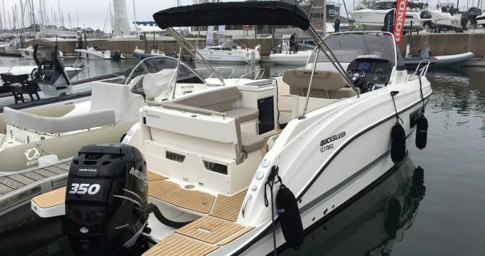 Alquiler de barcos La Forêt-Fouesnant barato de Quicksilver 805 Sundeck