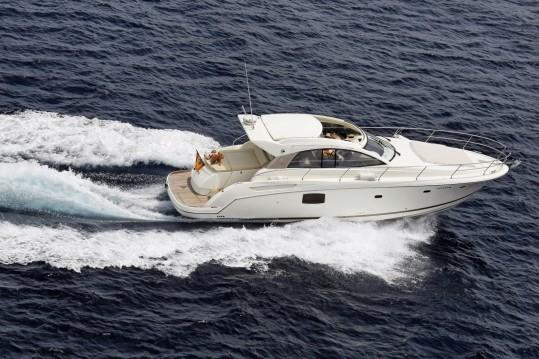 Alquiler de barcos Jeanneau Prestige 42 S enSotogrande en Samboat