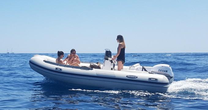 Alquiler Neumática Italboats con título de navegación