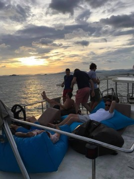 Alquiler Lancha Coastal Cruiser con título de navegación