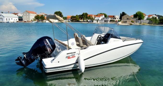 Alquiler de yate Betina - Quicksilver Activ 605 Sundeck en SamBoat