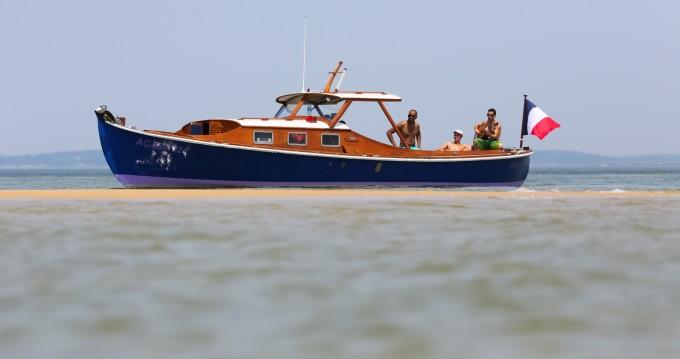 Alquiler Lancha Pinasse con título de navegación