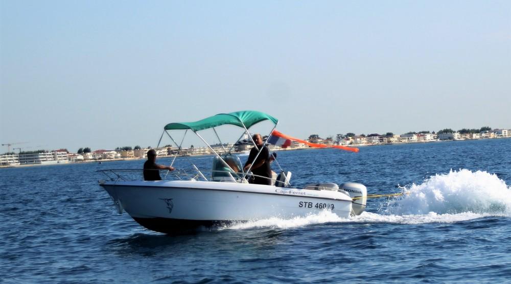 Alquiler Lancha B2 Marine con título de navegación
