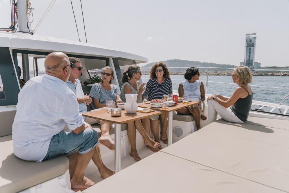 Catamarán para alquilar Barcelona al mejor precio
