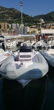 Alquiler de barcos Salerno barato de Predator 599 AS