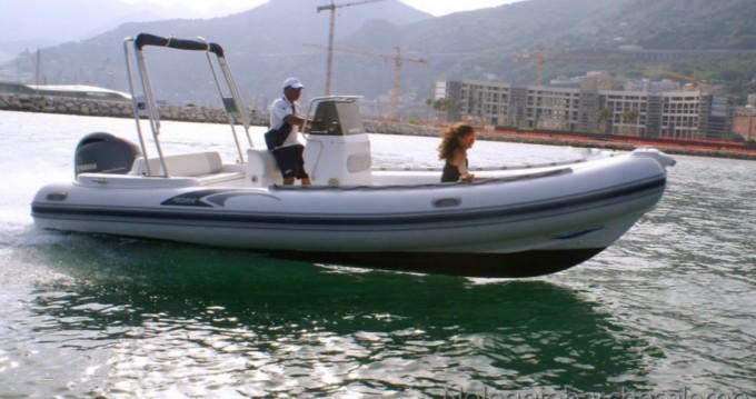 Alquiler de barcos Salerno barato de PREDATOR 6,80