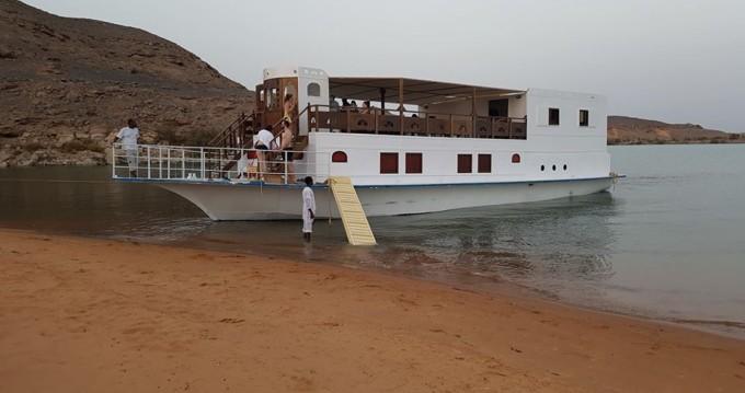 Queen Tiyi Safari Boat entre particulares y profesional Asuán