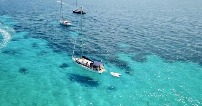 Alquiler de barcos Nettuno barato de Dufour 450 Grand Large