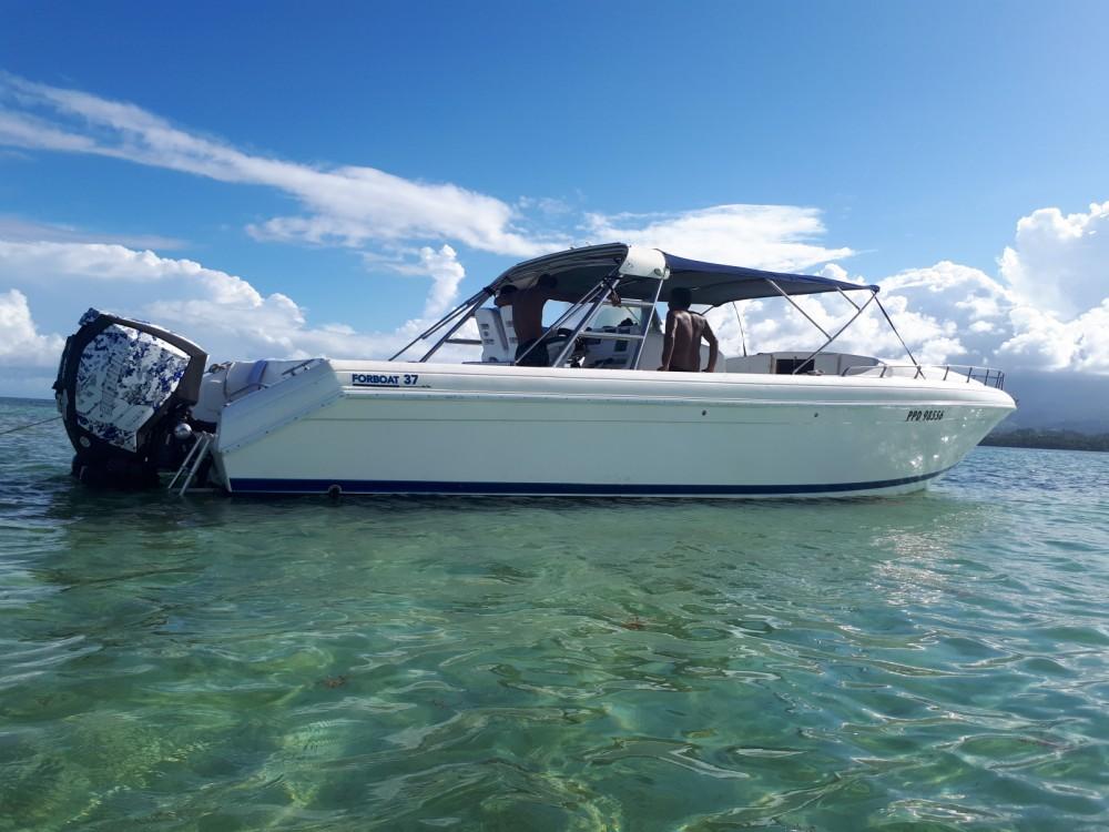 Alquiler Lancha Forboat con título de navegación