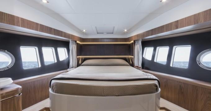 Alquiler Lancha Absolute Yachts con título de navegación