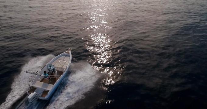 Alquiler de barcos Ragusa barato de Elan 18 CC