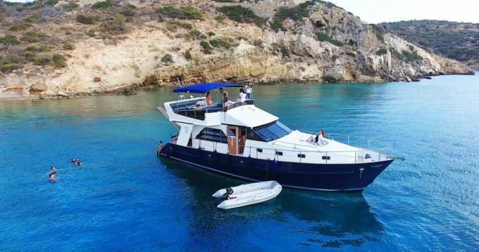 Alquiler de barcos Atenas barato de WAVE RUNNER 50