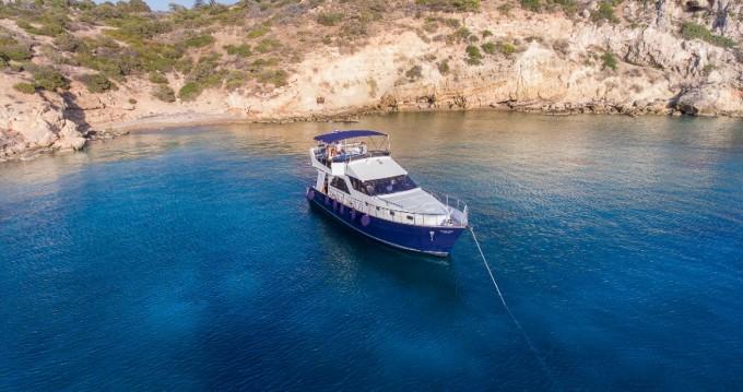 Alquiler de yate Atenas - BRUCE ROBERTS WAVE RUNNER 50 en SamBoat
