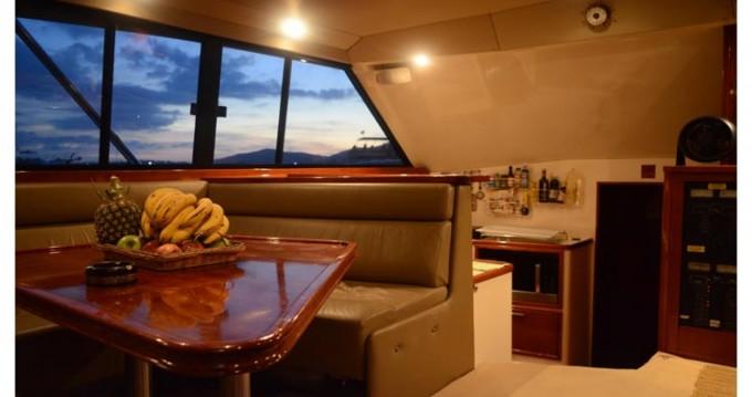 Alquiler Lancha Riviera con título de navegación
