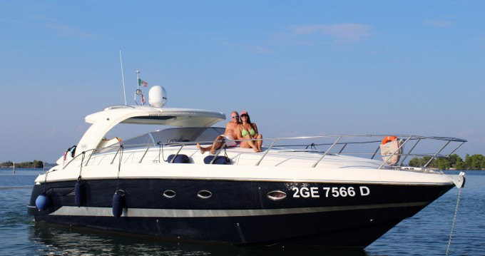 Alquiler Lancha Blu Martin con título de navegación