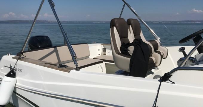 Alquiler de barcos Port-de-Bouc barato de Cap Camarat 7.5 CC Style