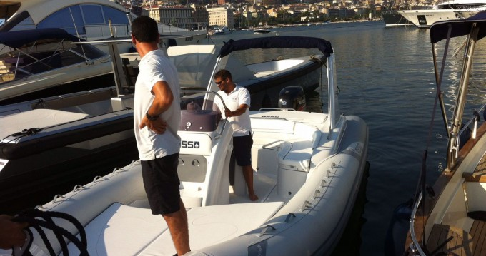 Alquiler de barcos Nápoles barato de Charisma 8.7