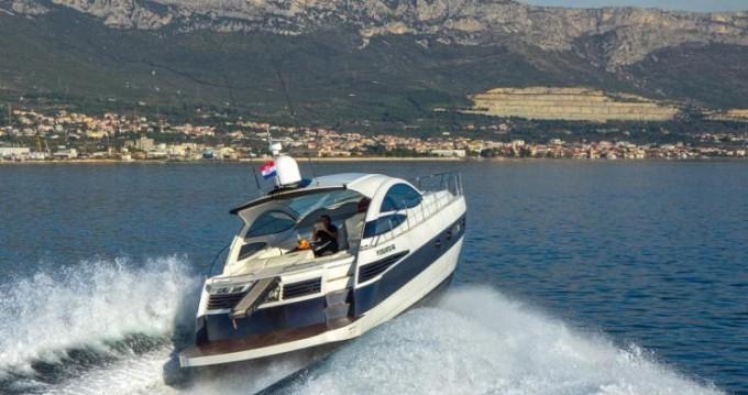Alquiler Yate Pershing con título de navegación