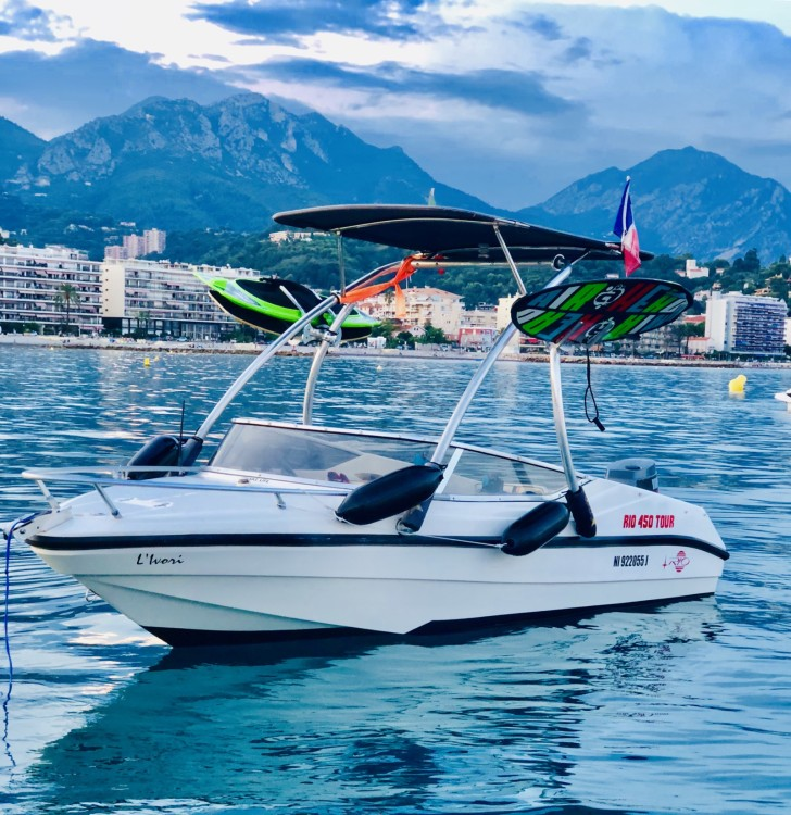 Alquiler de barcos Menton barato de Rio 450
