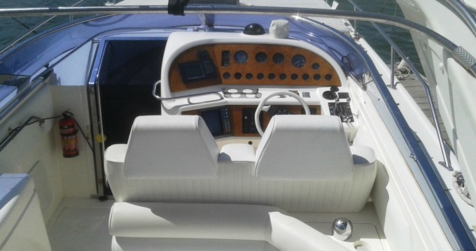 Alquiler de Sunseeker Thunderhawk 43 en La Savina