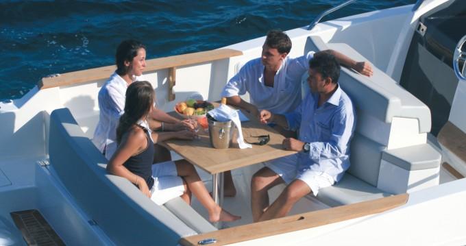 Alquiler Lancha Capelli con título de navegación