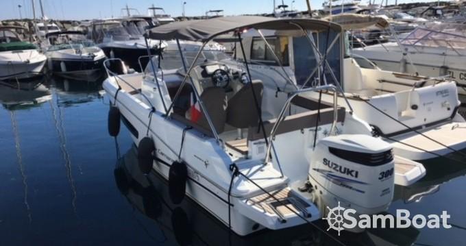 Alquiler de barcos Six-Fours-les-Plages barato de Cap Camarat 755 WA