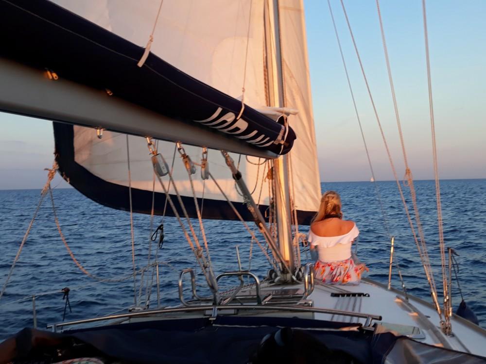 Alquiler de barcos Jeanneau Sun Odyssey 40 enPort Olímpic en Samboat