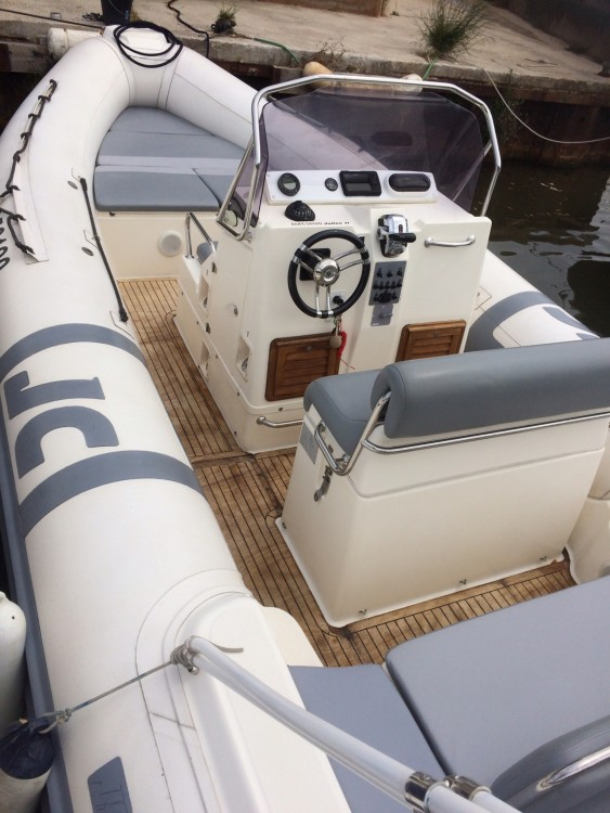 Alquiler de Joker Boat Clubman 26 en Hyères