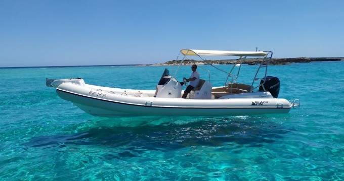 Alquiler de Black Fin Blackfin 8 Elegance en Ibiza (Ciudad)