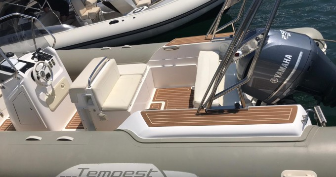 Alquiler de barcos Capelli Tempest 770 enPorto-Vecchio en Samboat