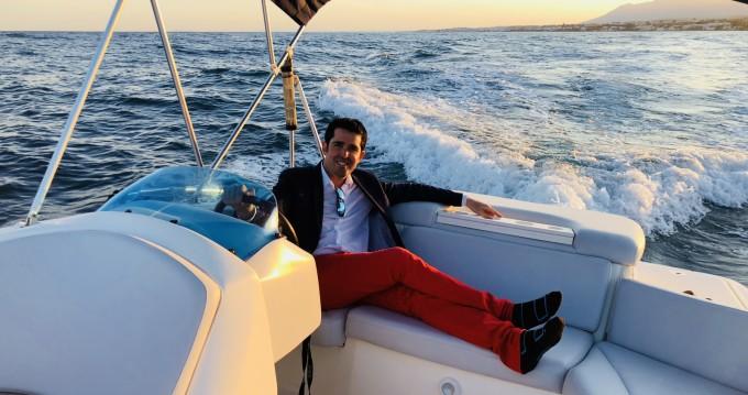 Alquiler Neumática en Marbella - Bayliner 6m