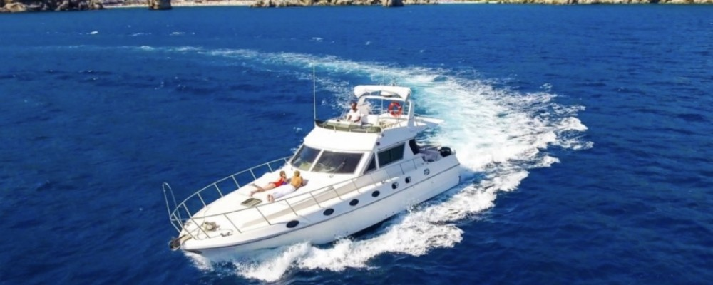 Alquiler de barcos Azimut Absolute 43 Fly enIsthintini/Stintino en Samboat