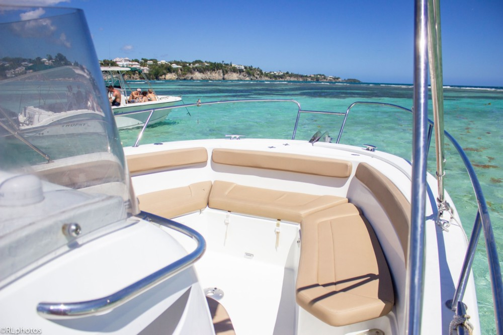 Alquiler de barcos Le Gosier barato de Cap Camarat 8.5 CC