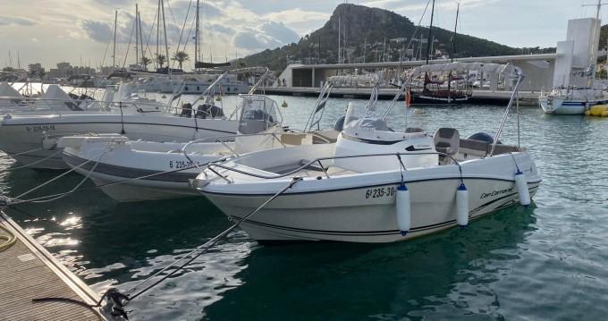 Alquiler de yate Fornells - Jeanneau Cap Camarat 6.5 CC Style Serie 2 en SamBoat