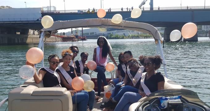 Alquiler de barcos Suntracker Party Barge 24 enParis en Samboat