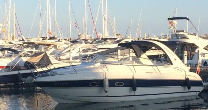 Alquiler de Bavaria BMB 30 Sport en Isla de Ibiza