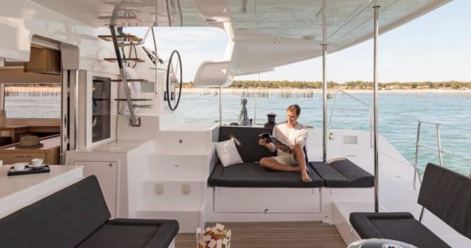 Alquiler de barcos Dénia barato de Lagoon 450 Sport Top