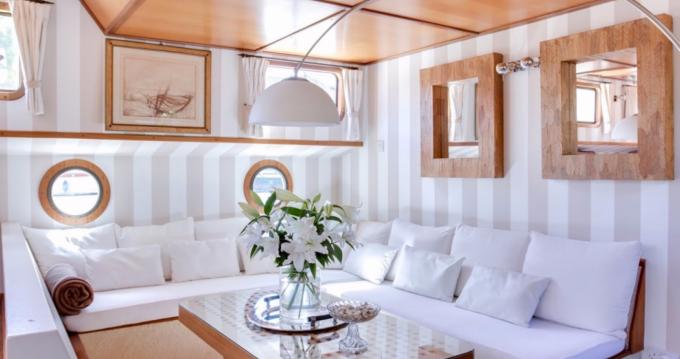 Alquiler Casa flotante Peniche con título de navegación