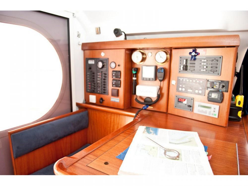 Nautitech Nautitech 47 entre particulares y profesional Marina de Alimos