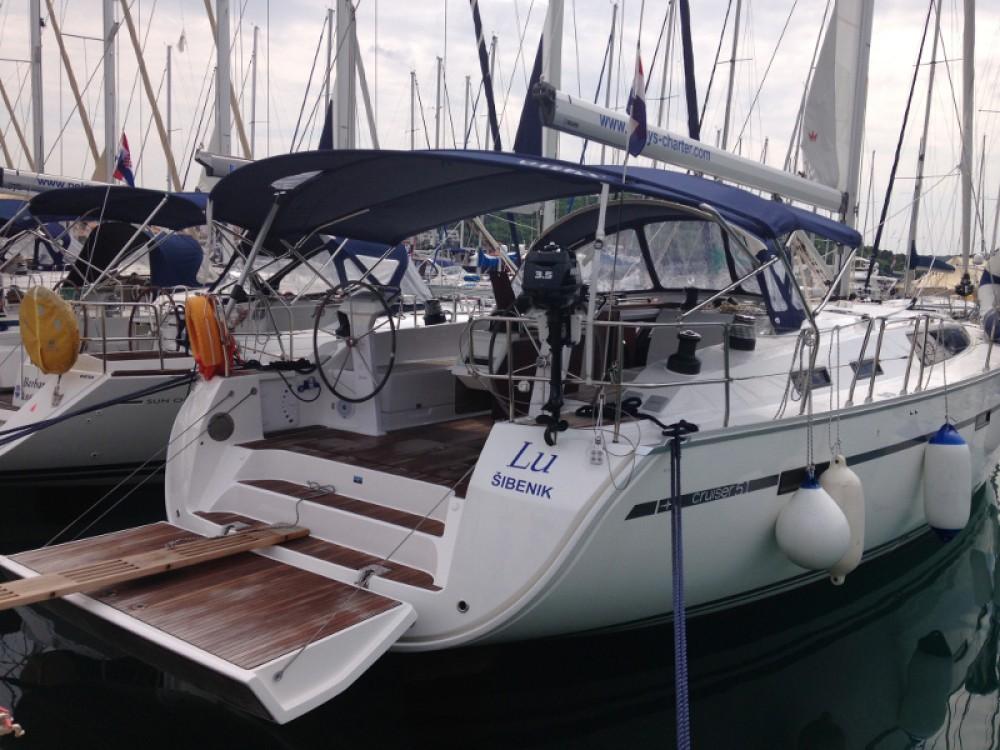 Alquiler de yate Rogoznica - Bavaria Bavaria Cruiser 51 en SamBoat