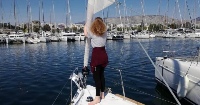 Alquiler de yate Atenas - Bénéteau Oceanis 38.1 en SamBoat