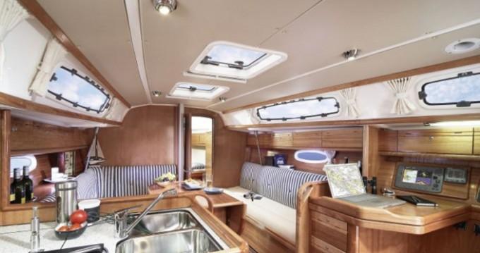 Alquiler de yate Göteborg socken - Bavaria Cruiser 34 en SamBoat
