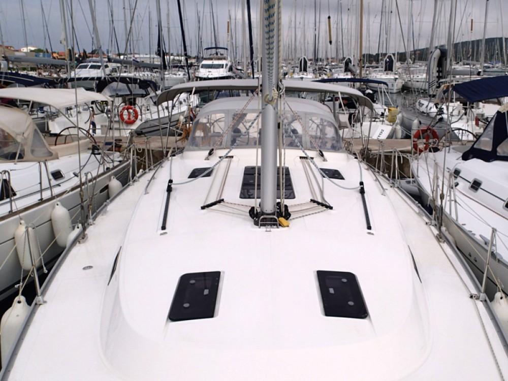 Alquiler de Bavaria Bavaria 45 Cruiser en Sukošan